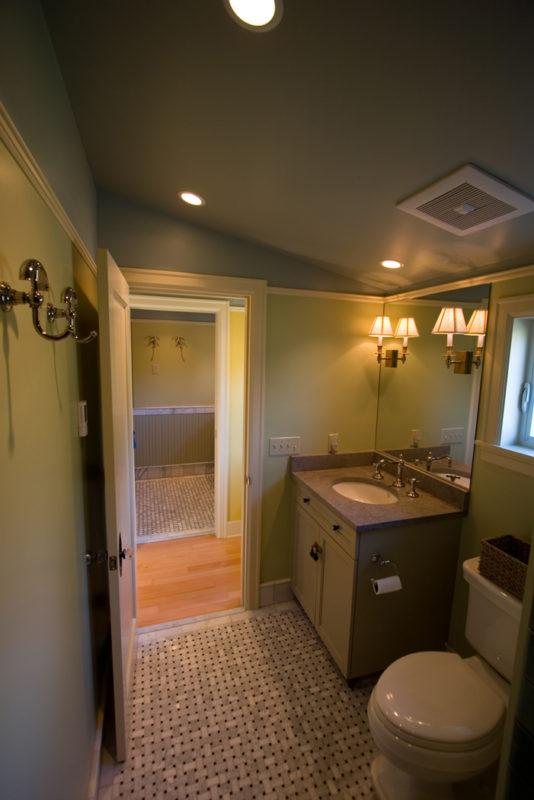 Bath to Hallway
