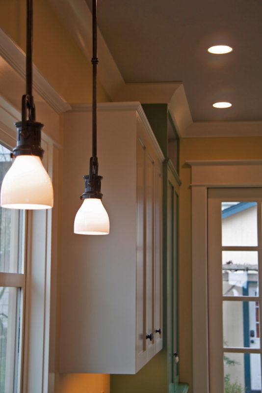 Details of hanging ceiling lights.