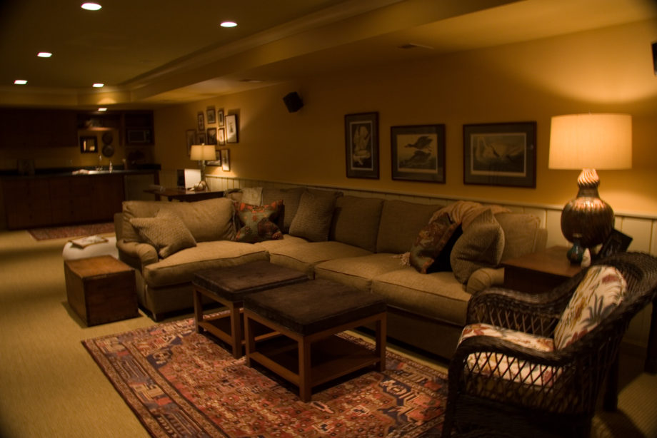 Couch & Sitting Area