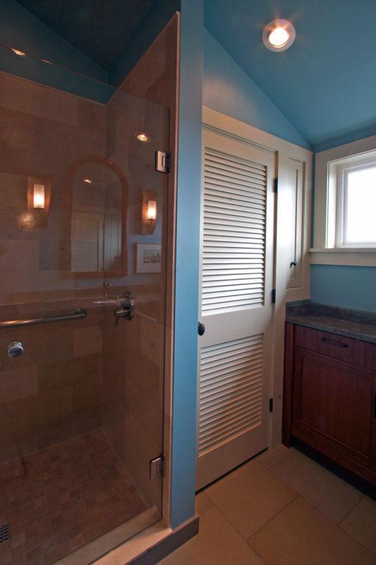View Toward Laundry Closet & Shower