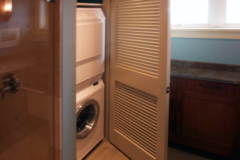 Laundry Closet & Stack Washer/Dryer